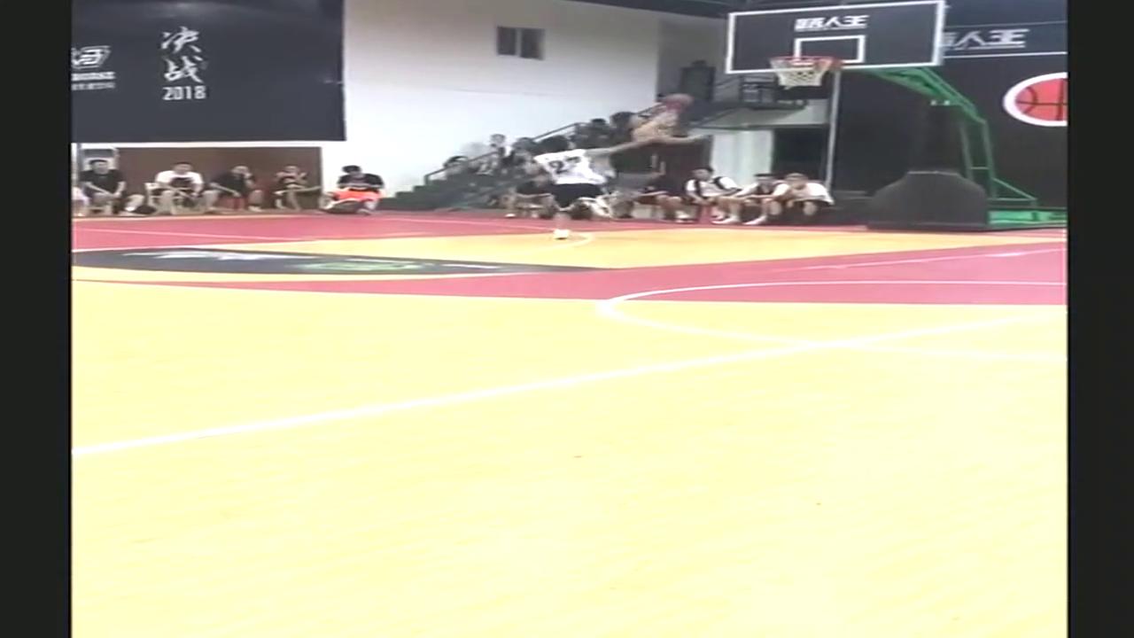 有速度、有力量、有投篮还有技巧,简直是篮球界新星