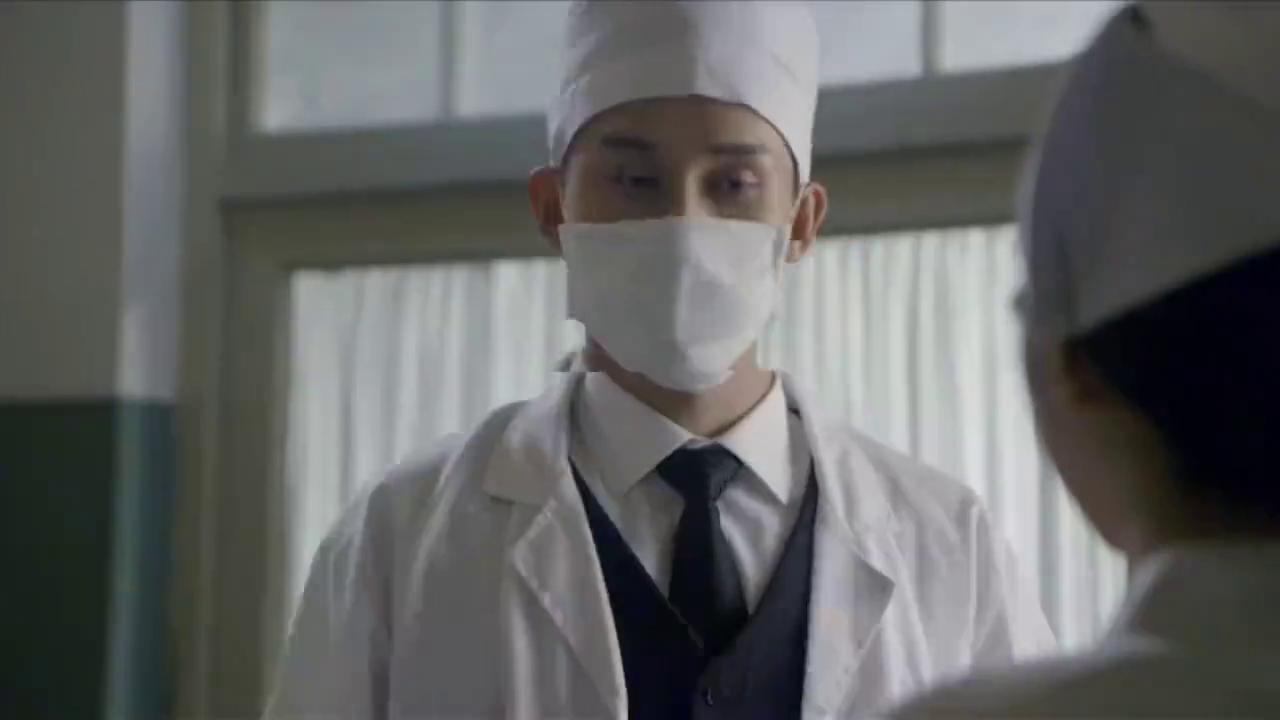 特工乔装医生救人,本以为天衣无缝,怎料病床躺的竟是日本鬼子!
