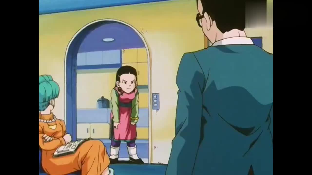 琪琪站在门后悟天开门碰到琪琪的头悟天还很冷漠心疼琪琪