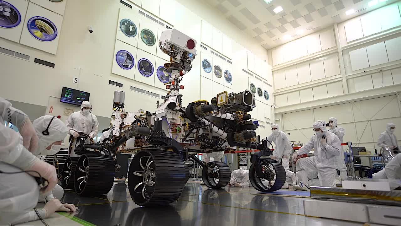 NASA计划通过Mars 2020任务收集火星土壤样本 并将其带回地球