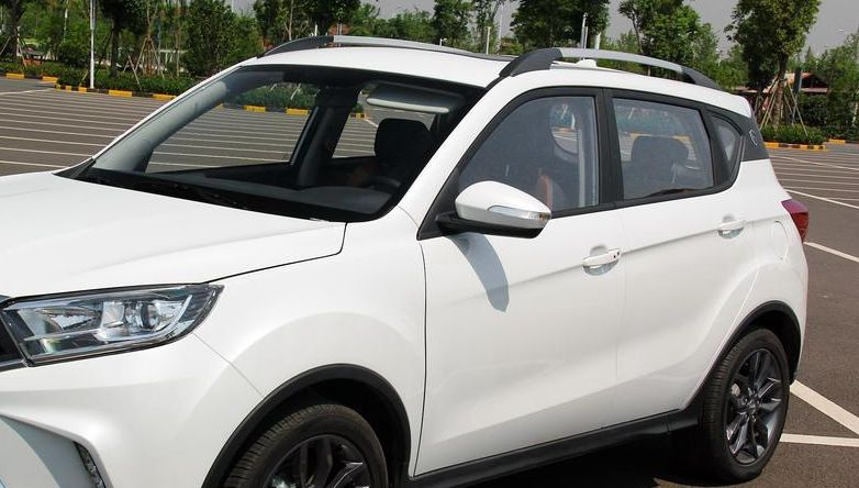 陆风汽车-X2外观非常炫酷,设计风格炫酷,男人开这车面子十足