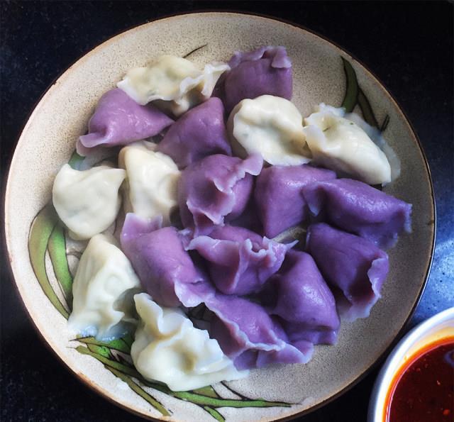 芹菜水饺,皮薄馅大,味道特别香
