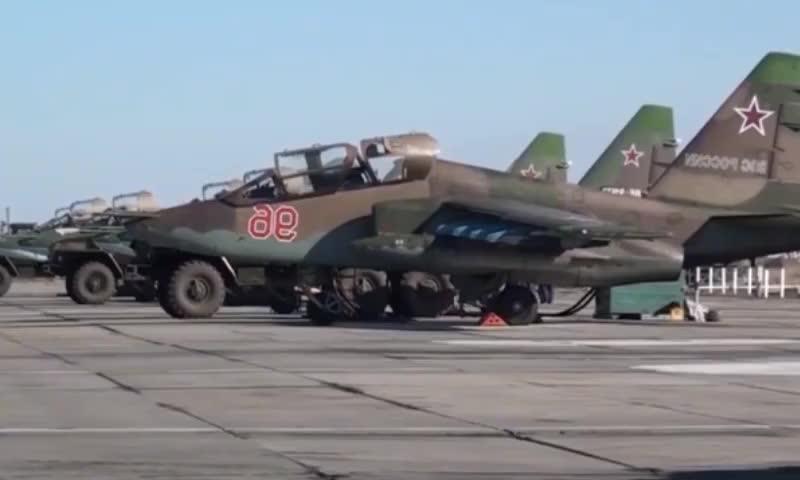 实拍俄罗斯空军Su-25SM3攻击机日常训练,了解一下