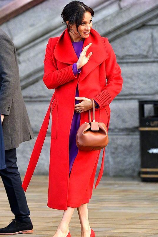 梅根王妃买衣服不看价,还会穿250元的平价货,网友:难怪顺眼了