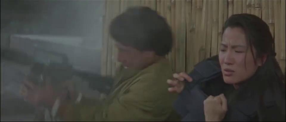 龙叔:这件衣服不能脱,美女:全是炸药啊,我不能中弹