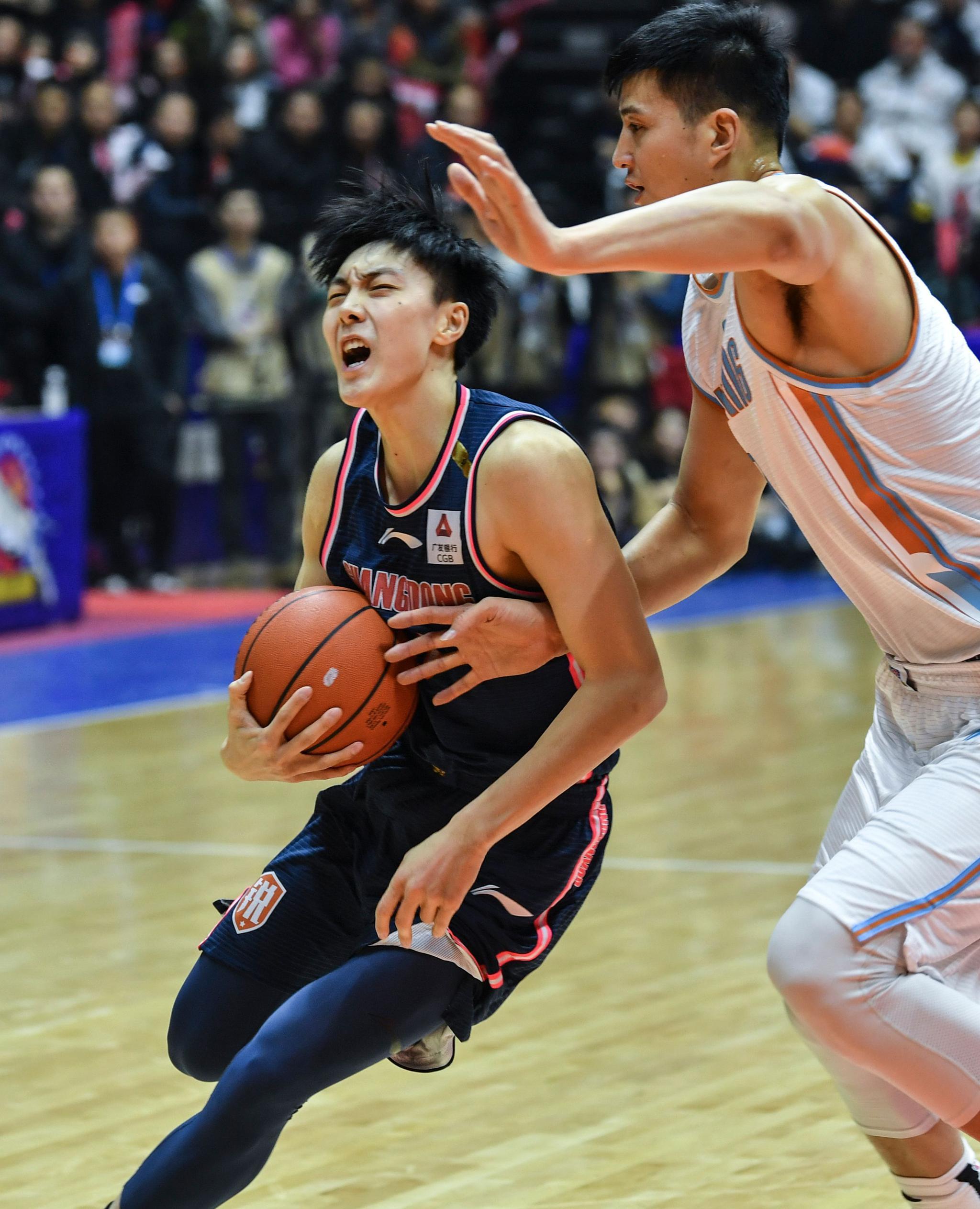 篮球——常规赛:新疆伊力特不敌广东东莞银行
