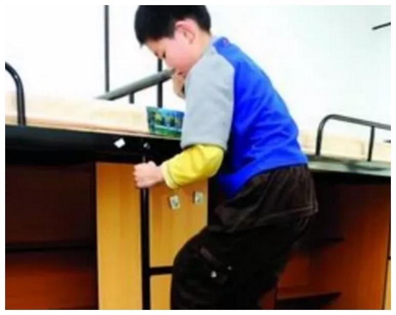 """""""零零后""""神童2天上完小学,10岁直接上大学,如今他现状如何"""