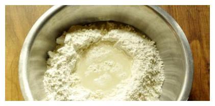 1个鸡蛋半斤面粉,不用一滴油,试试做一次,营养又健康!