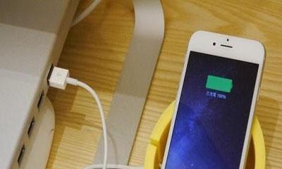 手机充电一夜危害大!学学这方法,电池耐用,充电快速又安全