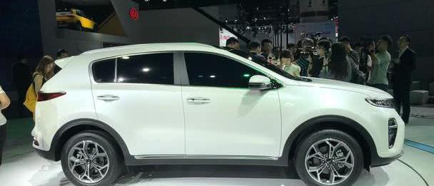 """又一韩系车""""翻身"""",曾经20万卖不动,如今找准定位13万起受热捧"""