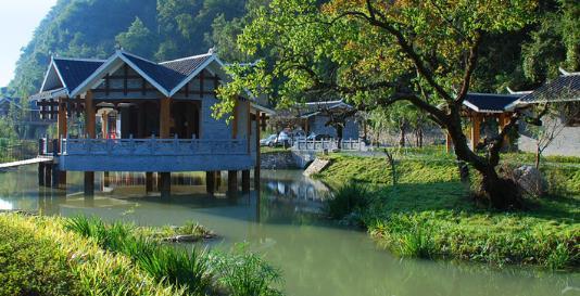 国内这个有名气的城市,自然资源非常丰富,旅游经济发展繁荣