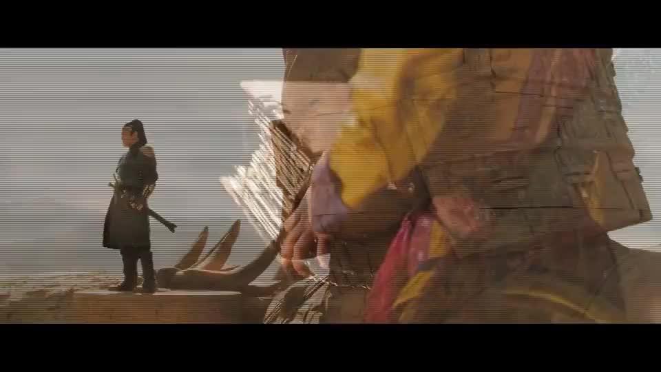 真梦幻对决,皇帝在上面召唤兵马俑,巫女却在下面施法推翻皇帝