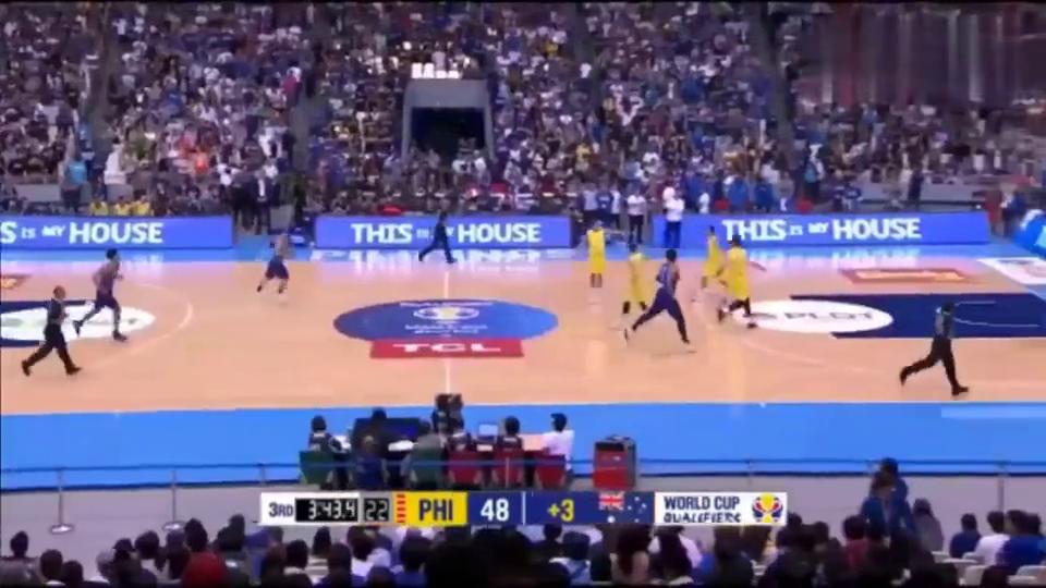 菲律宾男篮被罚下还剩3人对抗澳大利亚,看看什么情况