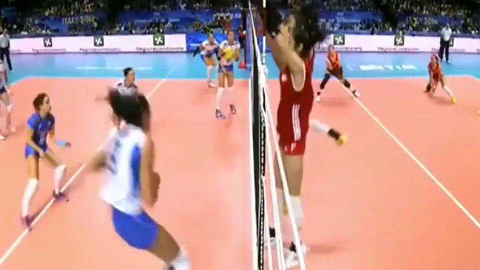 朱婷在世锦赛半决赛中精彩的表现,不带犹豫的扣杀,看的太热血了