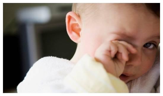 宝宝经常揉眼睛 不只是困了那么简单