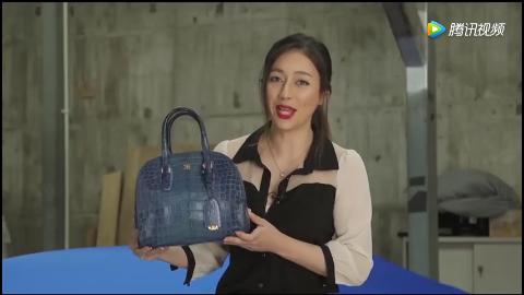 女销售打开手提包那一刻才知道布加迪的钥匙有多么霸气