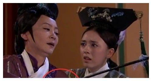 最神奇的古装剧穿帮:皇宫出现电线槽,刘诗诗耳环时有时无!