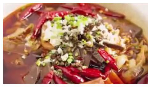 全家人最爱吃这道菜,这样做又麻又辣,让你越吃越上瘾