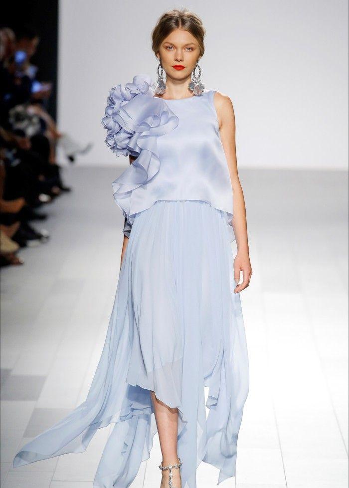 魅力搭配:大品牌的时装设计秀,优雅灵动,设计师十分用心