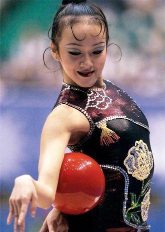 曾是亚洲艺术体操女皇,因写真照爆红网络,如今成企业CEO!