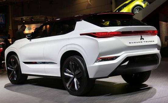 三菱GT-PHEV,混合动力车型油耗超低