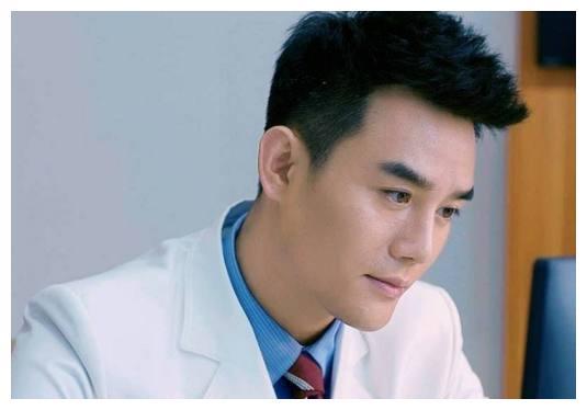 电视剧中最帅气的4位医生排行,他超越张一山、王凯排第一