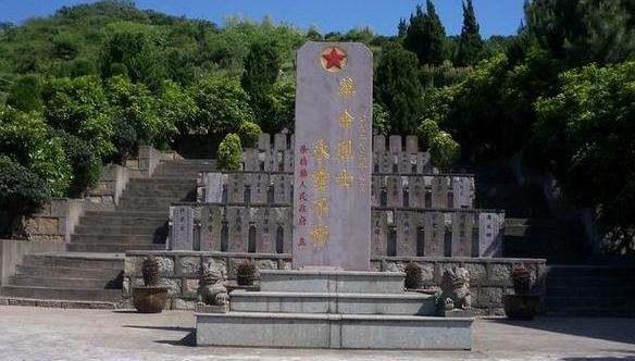 此国忘恩负义,我国为他国牺牲了10万人,今却将英烈坟墓拆了