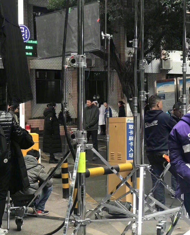 网友曝光《刺杀小说家》片场照