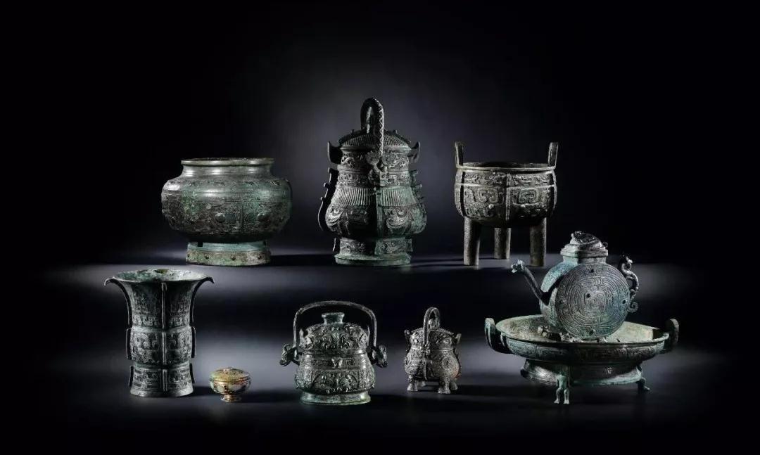 青铜礼器上奇特的神面纹样,是古人虔诚的神灵信仰的表现!