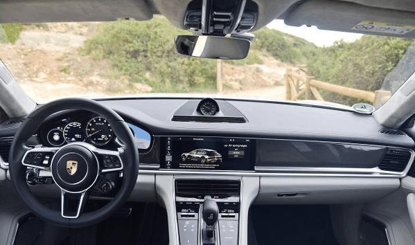 保时捷新Panamera  Turbo S 混合动力上市!