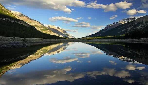加拿大班夫镇,世界上最美的国家公园,宛如童话世界