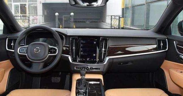 沃尔沃S40安全性极佳,工薪族也买得起