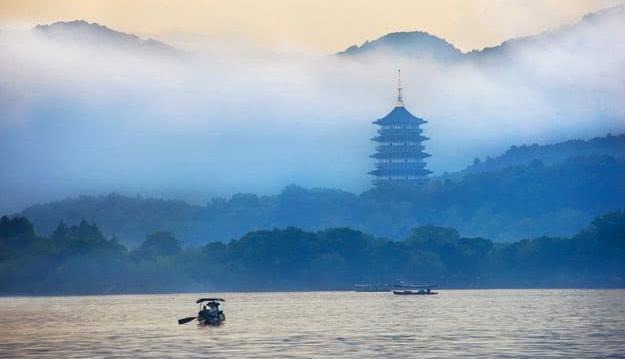 杭州西湖、青海湖、新疆喀纳斯湖,哪里的湖水最值得一看?