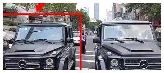 俩奔驰大G碰到一起,一下车车牌居然一样!同时报警后乐了!