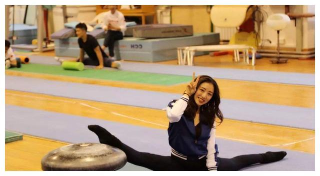 曾是中国体操最美女神,如今气质佳,和1米58老公生活幸福!