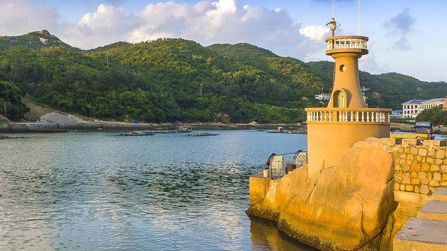珠海风景如画怪石嶙峋,渔女石雕栩栩如生,安静休闲宛如世外桃源
