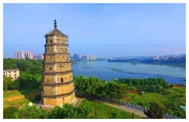 辽宁最传奇的佛塔,在修葺中无意发现天宫,其中暗藏世界级珍宝