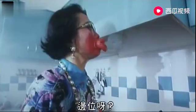 超级学校霸王:老妈变成香肠嘴,儿子却还在一旁看戏,笑喷了!
