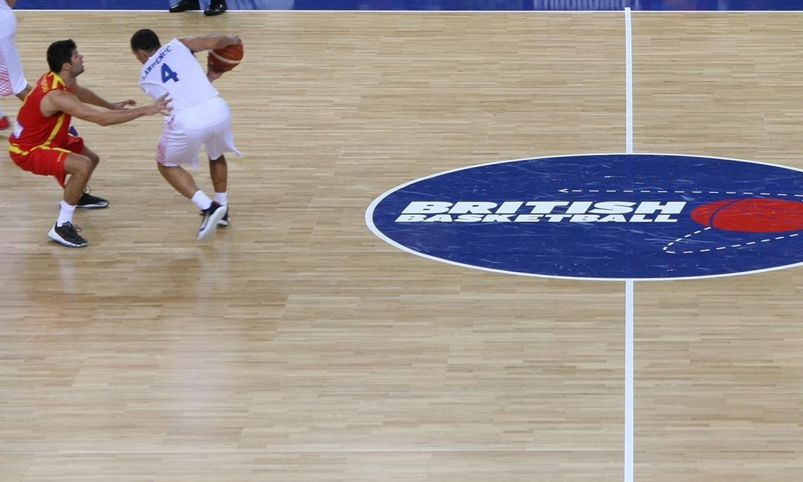羽毛球馆选用运动木地板应该侧重于哪些方面
