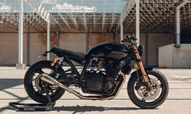 肌肉硬朗的YAMAHA XJR1300,制造一辆须两年时间