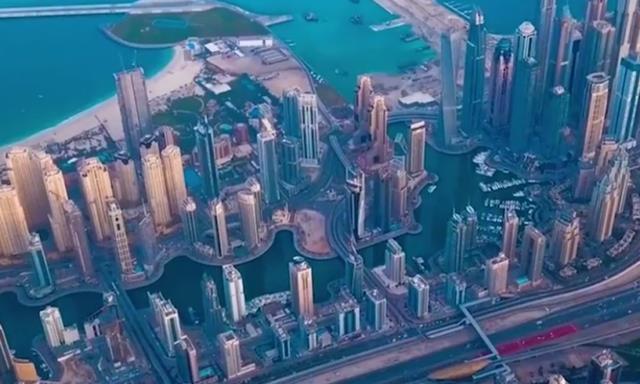 """迪拜豪华""""空中餐厅"""",一个人需要7777元,对此你们怎么看"""