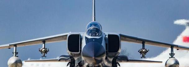航空煤油价格高昂,为何战机降落前要放油?飞行员:此动作是关键