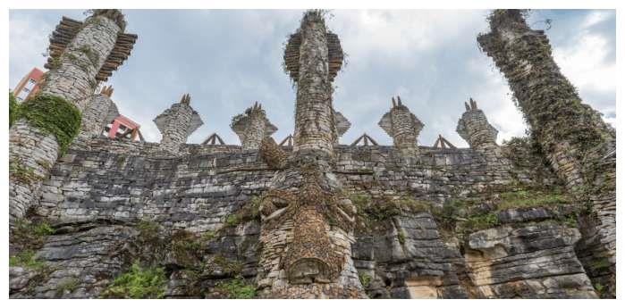 七旬老人花20年打造一座石头城堡,重现古夜郎国