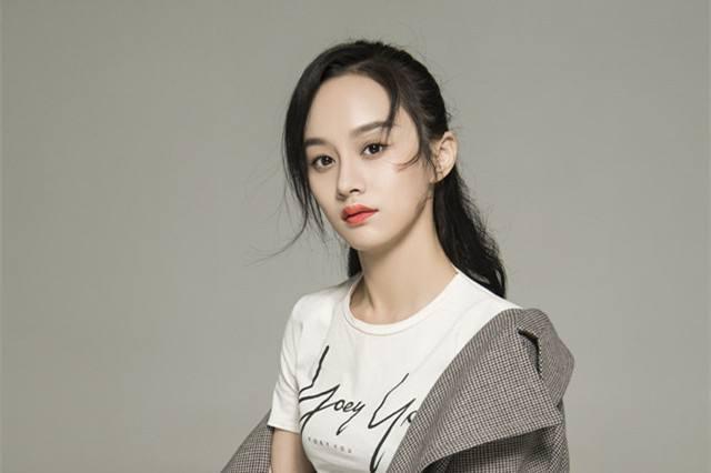 宋祖儿竟然被小配角碾压了,她竟然和吴秀波关系匪浅