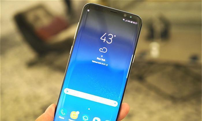 好评率超高的一款手机,骁龙845+2K曲面屏,如今四折起售!