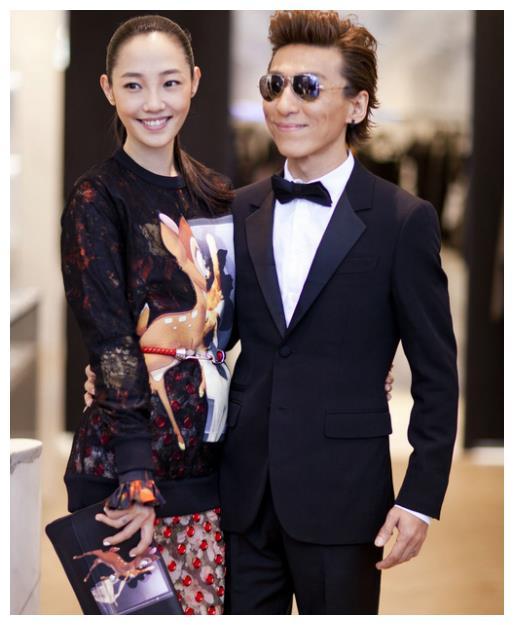 """有种基因叫""""白百何""""的儿子,本以为会像陈羽凡,却长得帅气逼人"""