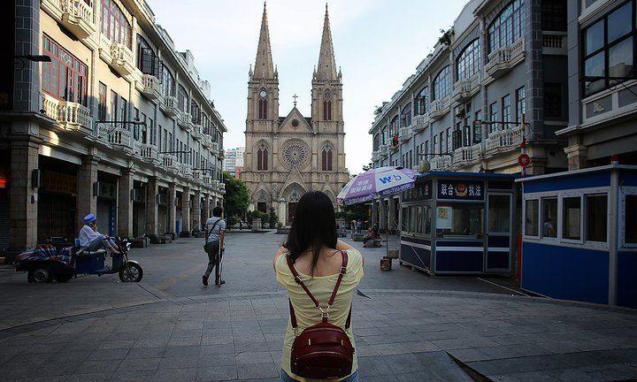 """广州这座哥特式建筑已有一百多年历史,有""""远东巴黎圣母院""""之称"""