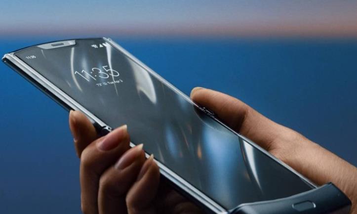 联想CEO嘲讽华为、三星,折叠屏手机应该是手机而不是平板!