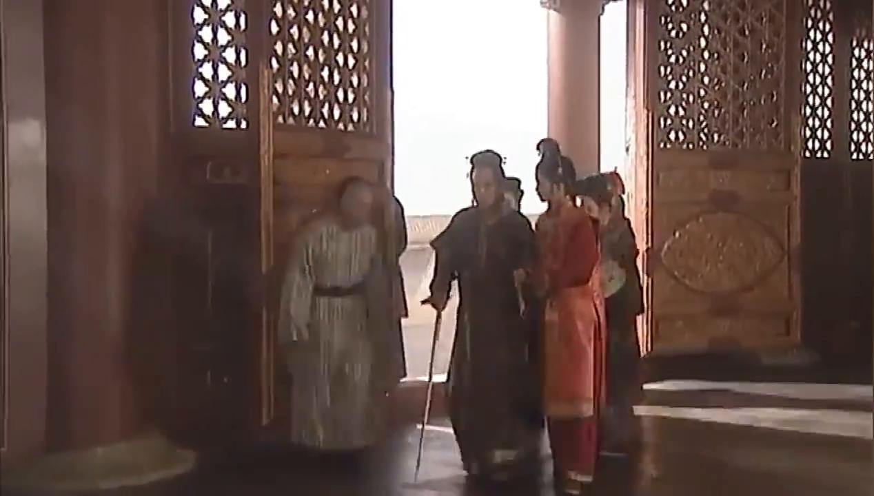 康熙去明月楼,孝庄太后责骂皇后,你连皇上的心都拢不住