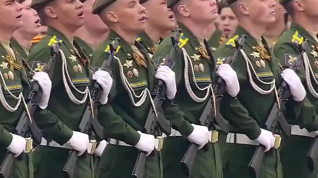 2019俄罗斯红场大阅兵,礼炮部队鸣礼炮,军乐队奏国歌!